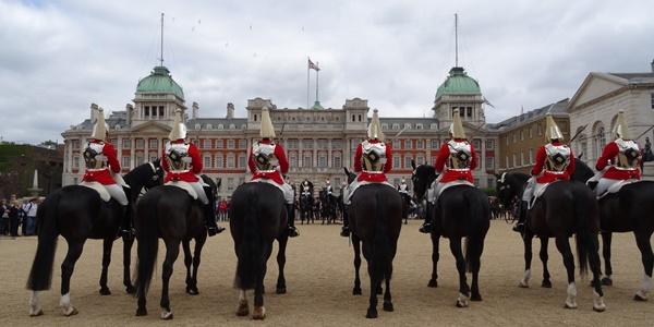 horse-guard-parade-600-x-300