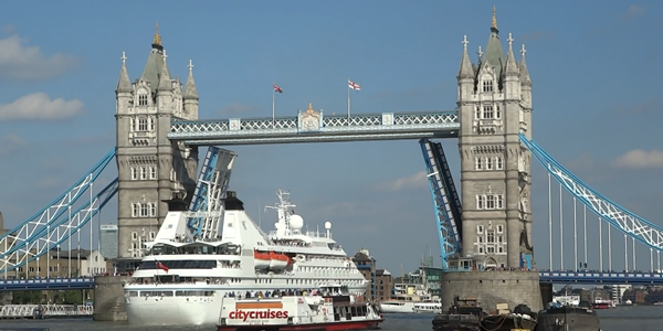 tower-bridge-600-x-300