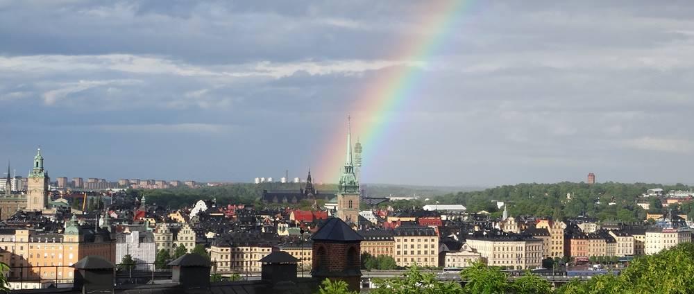 Schweden Gamla Stan Stockholm mit Regenbogen vom Skinnarviksparken