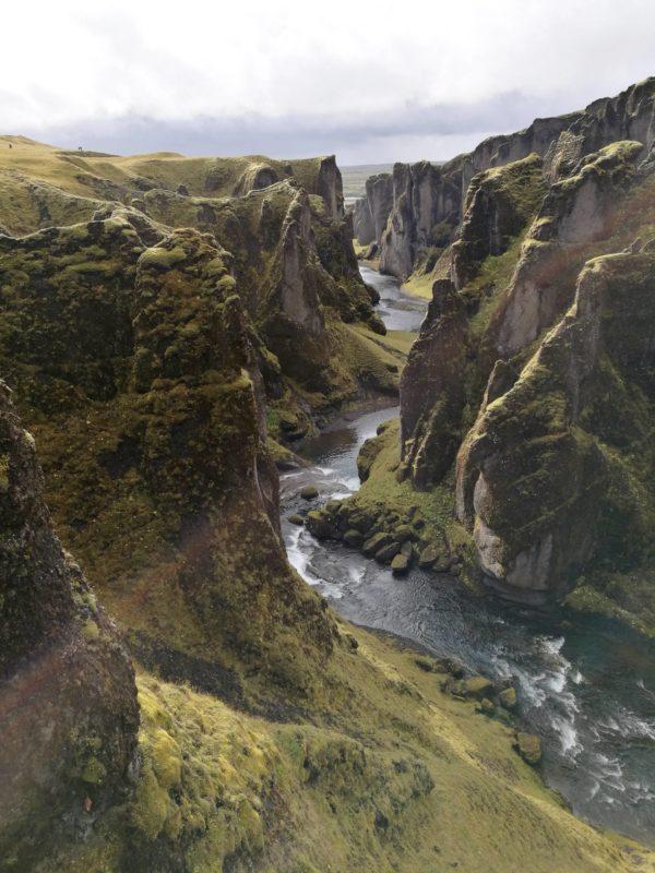 Schlucht Fjaðrárgljúfur bei Kirkjubæjarklaustur